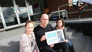 Naomi Kenna (left), Glenn Cunningham and Narelle Cunningham are organising a fund-raiser auction for the family of Jock Anderson, who died two weeks ago. Picture: VICKY HUGHSON